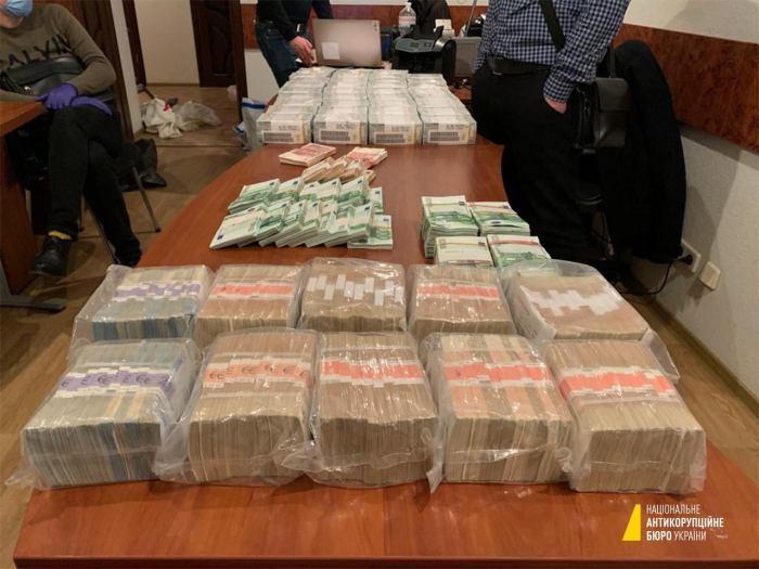 У затриманого брата судді Вовка знайшли мільйони доларів та антикваріат