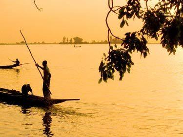 canoe-river-niger-mopti-in-mali