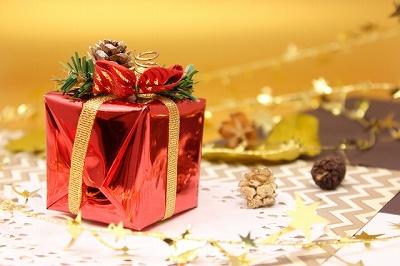 クリスマスプレゼントを遅れて渡すのはあり?クリスマスに会えない場合