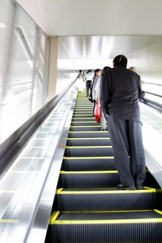 escalator_osaka
