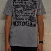 """T-Shirt Mann """"Manifesto"""" 29 CHF, erhältlich im S, M, L, XL"""