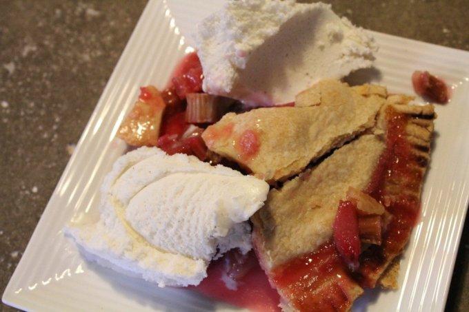 Rhubarb Pie: 3ten.ca