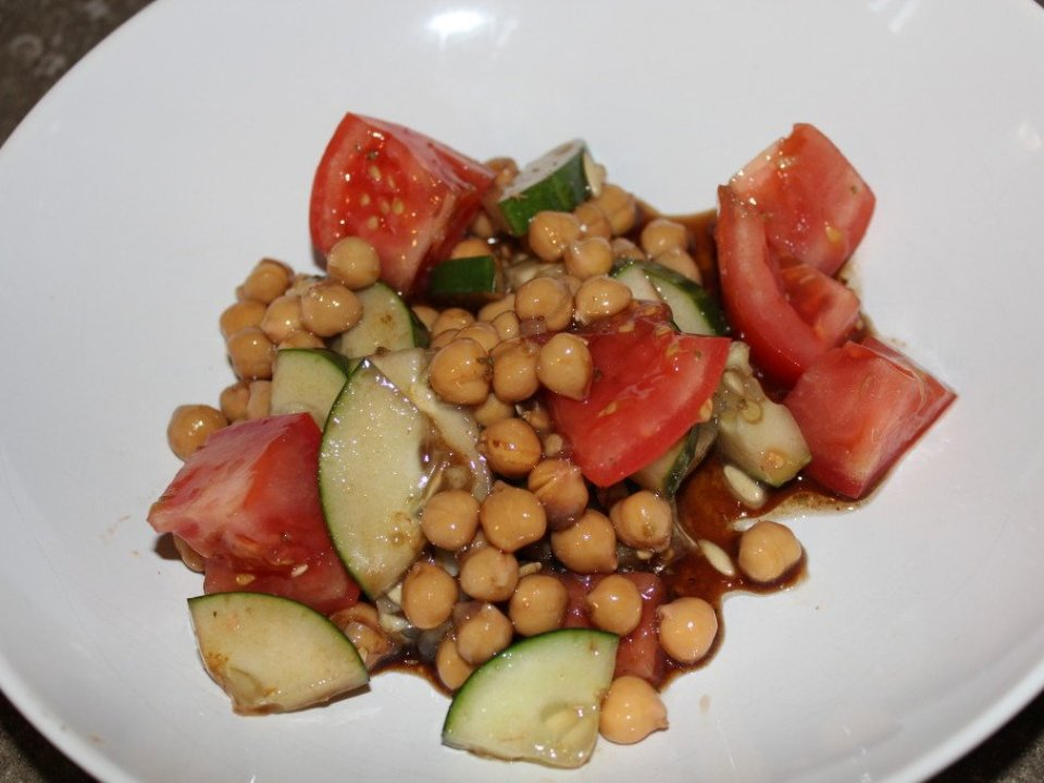 Chickpea Salad: 3ten.ca