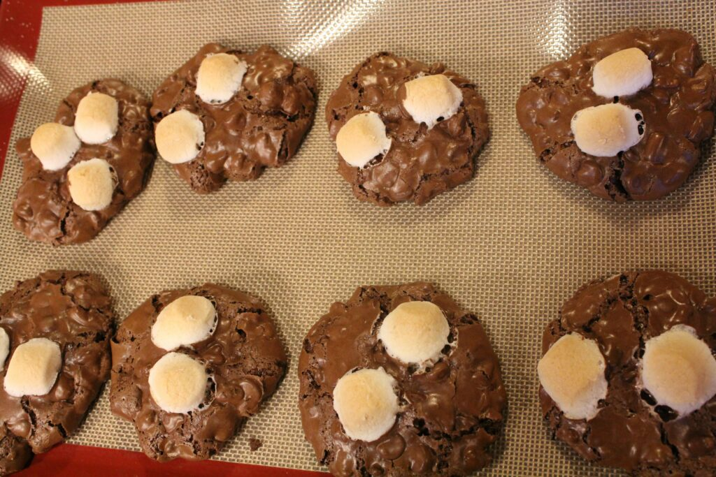 Rocky Road Cookies: 3ten.ca