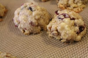 Chewy Cranberry Cookies: 3ten.ca