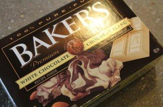 Chocolate and Sprinkle Oreos: 3ten.ca #oreo