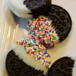 Chocolate and Sprinkle Oreos: 3ten.ca #chocolate #oreo