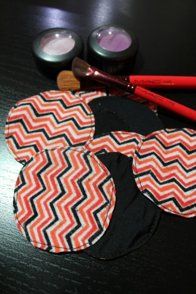 diy Cotton Rounds: 3ten.ca #sewing #makeup #ecofriendly