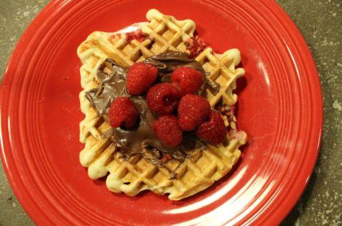 Raspberry Nutella Waffles: 3ten.ca