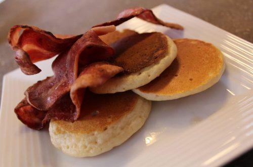 Pancakes and Bacon: 3ten.ca