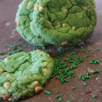 Green Velvet Cake Mix Cookies: 3ten.ca #green #cookies