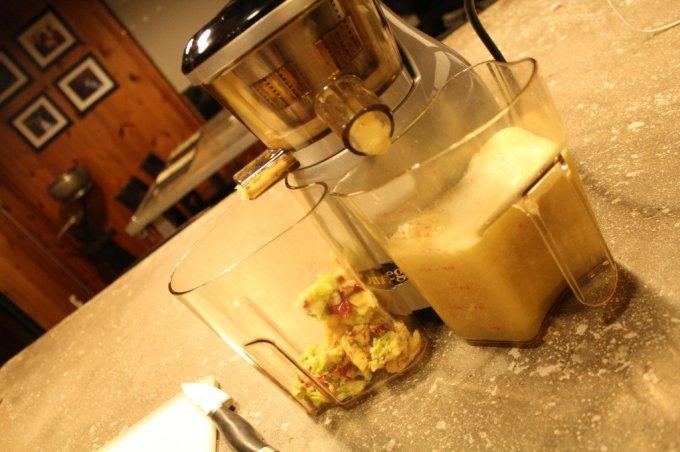Apple Pear Pick-Me-Up Juice: 3ten.ca #juice #12daysofjuice #apple