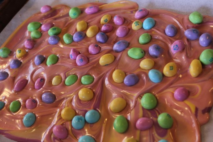 Easter Bark: 3ten.ca #easter #whitechocolate #mm