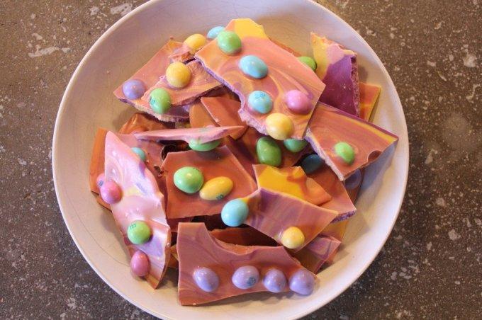 Easter Bark: 3ten.ca #easter #whitechocolate #mm