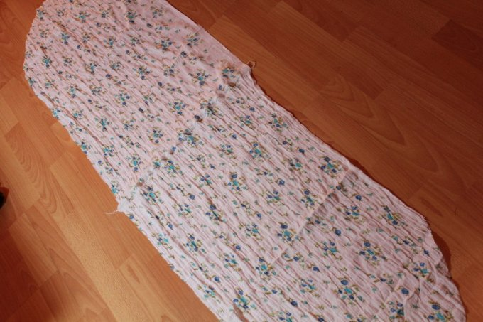 Vintage Floral Scarf: 3ten.ca #sewing #tutorial