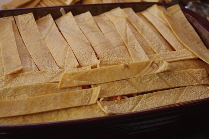 Mexican Lasagna: 3ten.ca #casserole #dinner