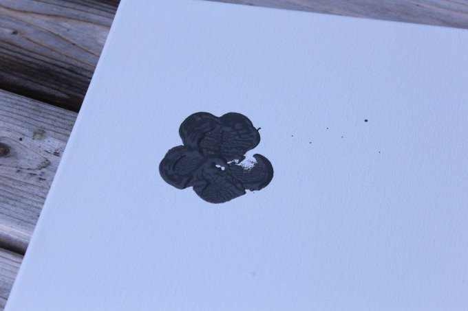 Paw Print Art: 3ten.ca #dogs