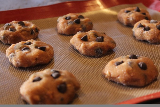 Gluten Free Peanut Butter Chocolate Chip Cookies: 3ten.ca