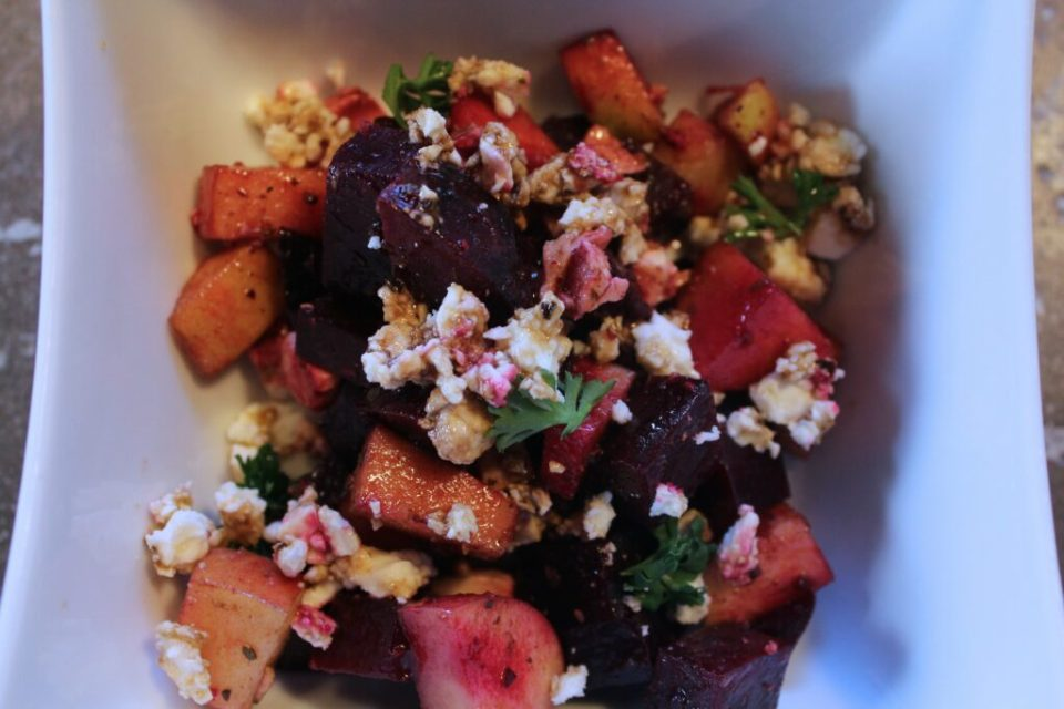 Beet and Apple Salad: 3ten.ca