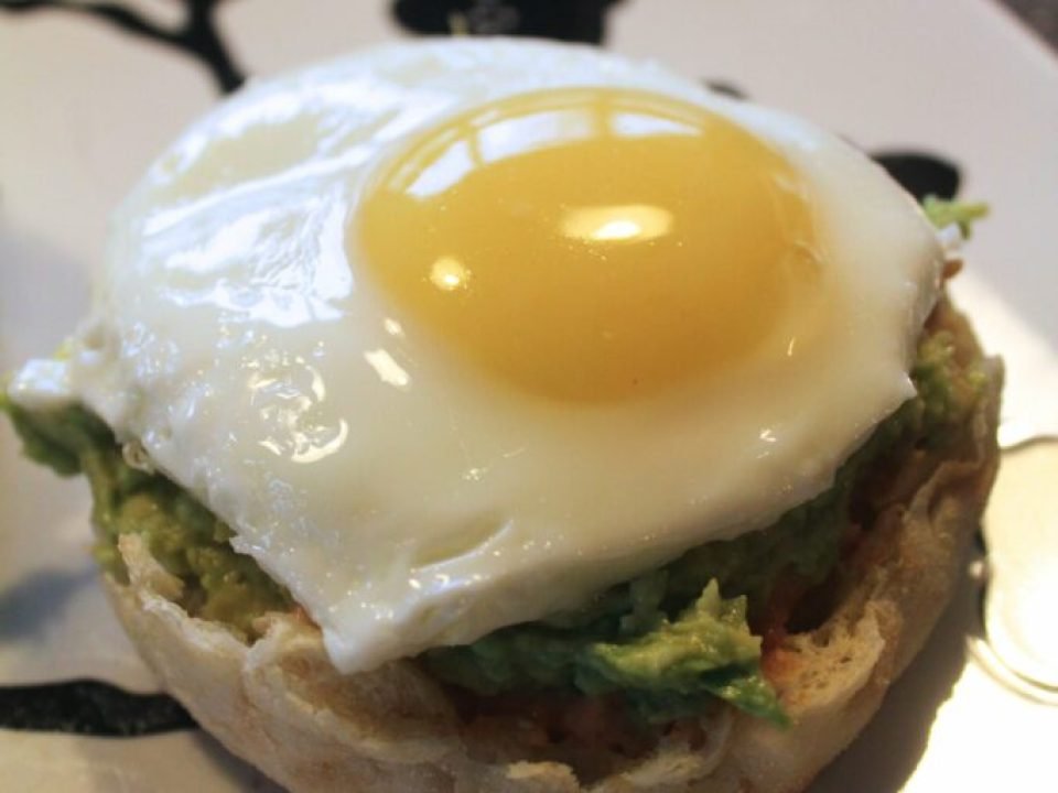 Avocado Egg Breakfast: 3ten.ca