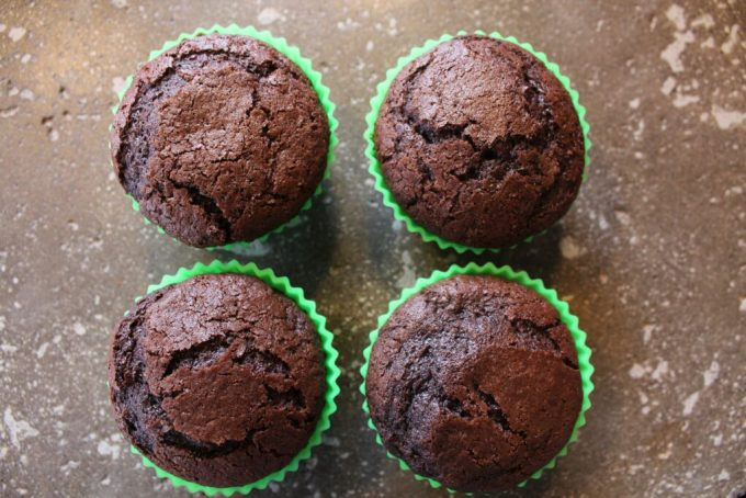 Chocolate Cupcakes: 3ten.ca