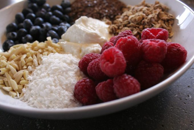 Granola Nut Berry Breakfast Bowl: 3ten.ca