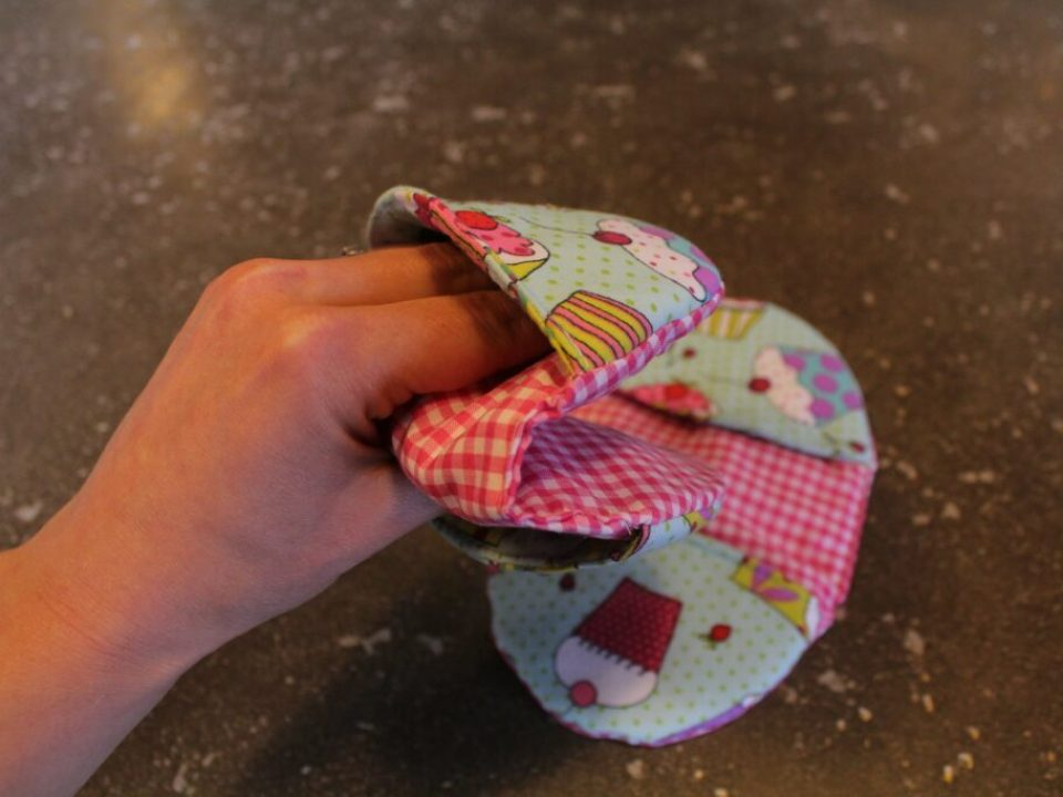 Hot Oven Mitts: 3ten.ca