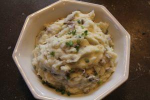 Creamy Mashed Potatoes: 3ten.ca