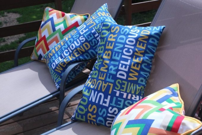 Outdoor Pillows: 3ten.ca