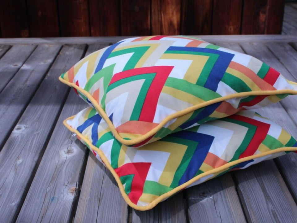 Piping Pillows: 3ten.ca