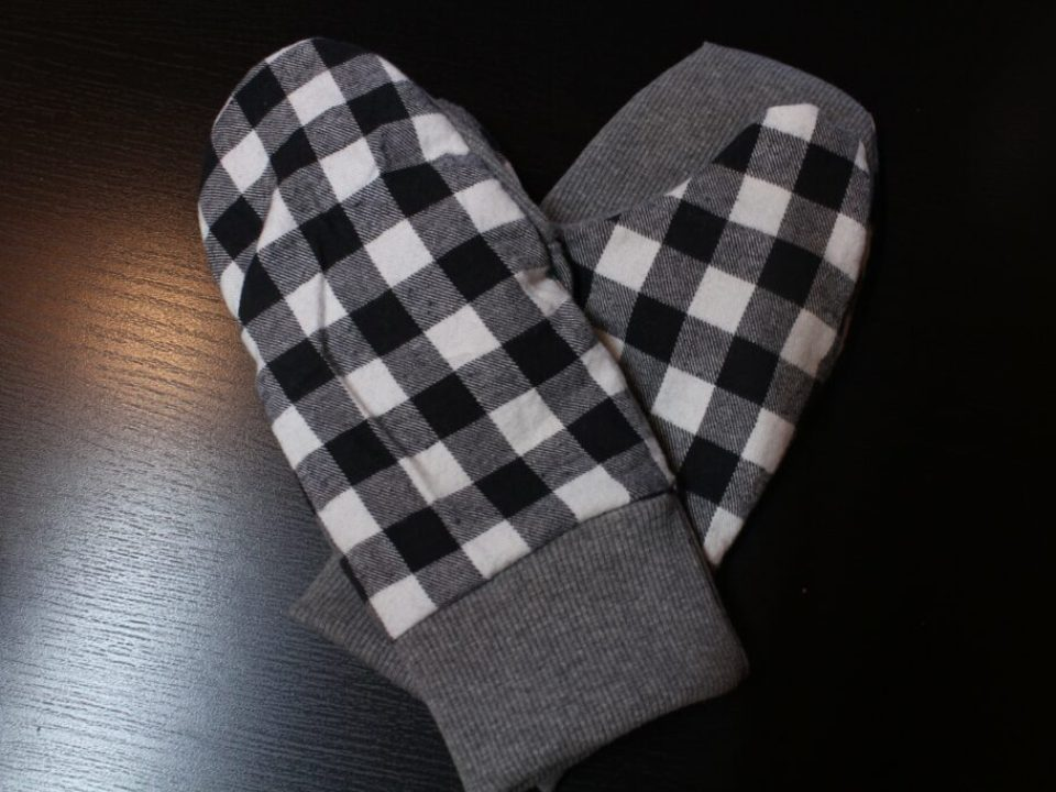 Flannel Mittens: 3ten.ca