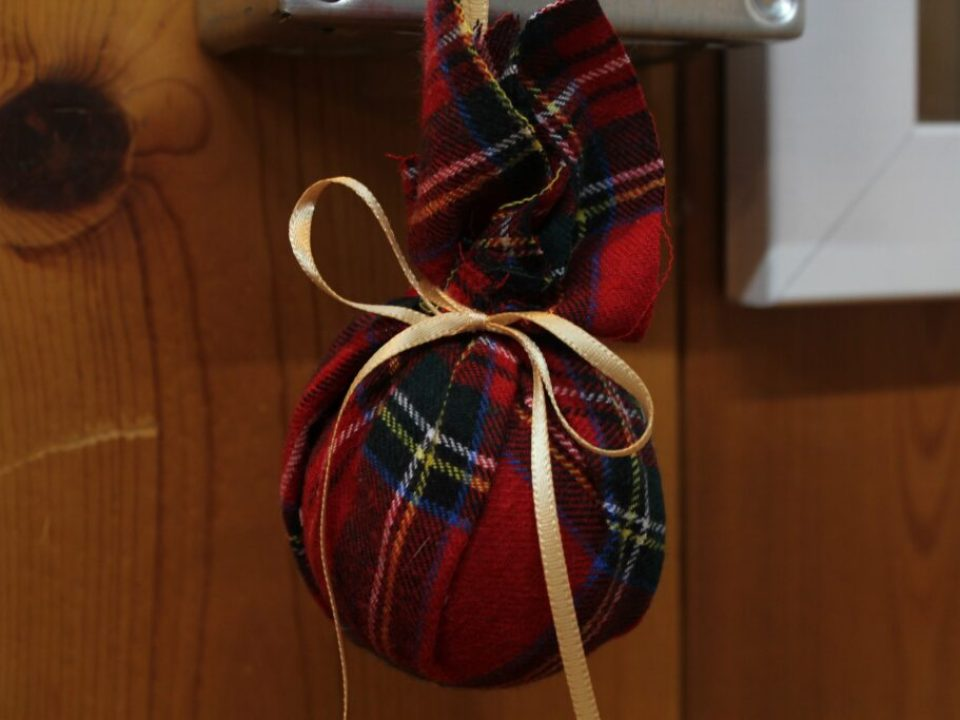 Bunched Christmas Ornament: 3ten.ca