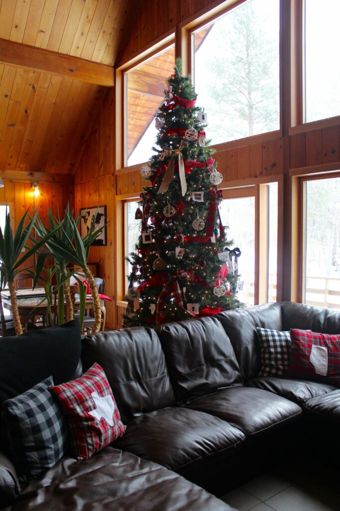 Project: Holiday Home Tour