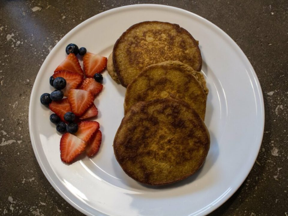 Easy Pumpkin Pancakes: 3ten.ca