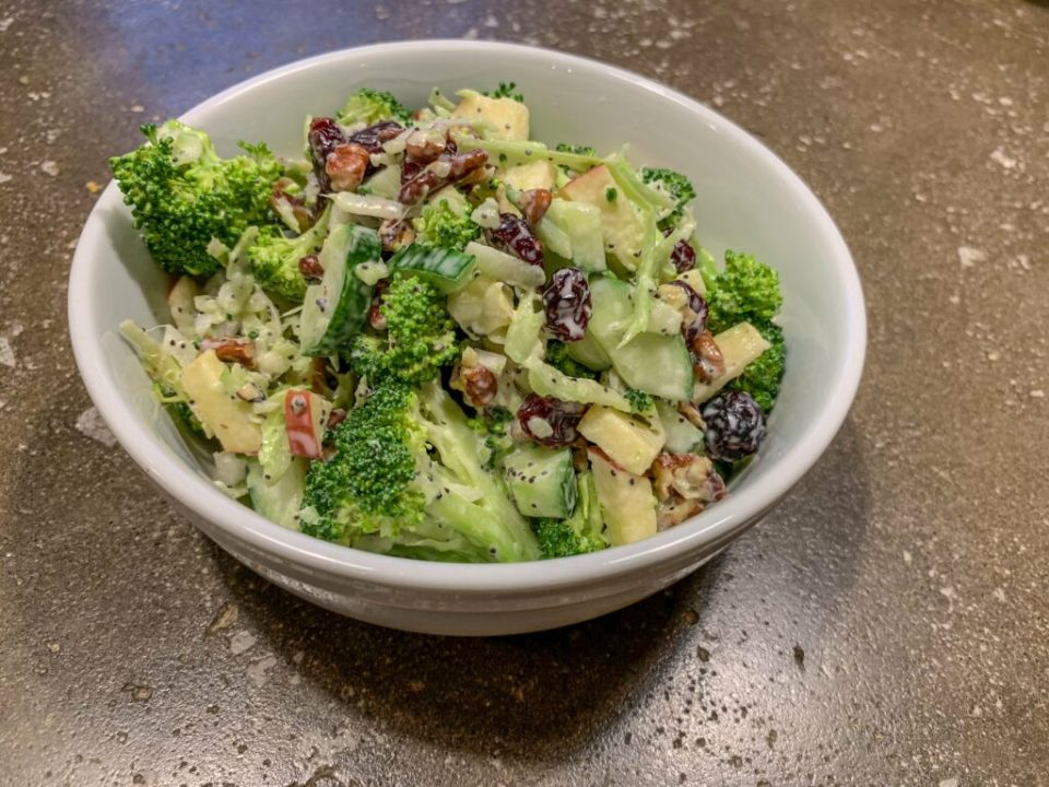 Broccoli Apple Salad: 3ten.ca