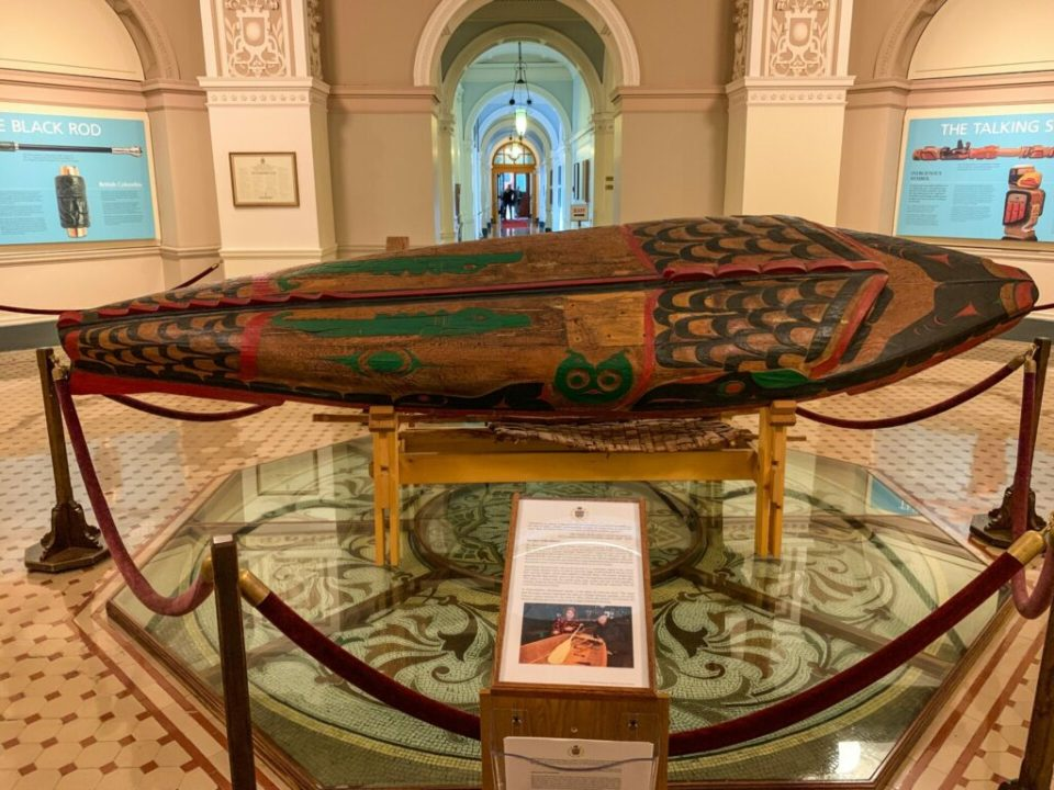 Historical Canoe: 3ten.ca