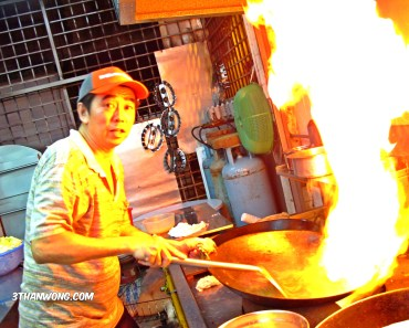 Chef Keong in action