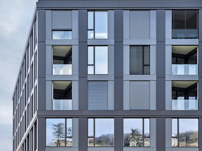 Aussenansicht vom Bahnhof West Aarburg, Fassade, Fenster, 4B