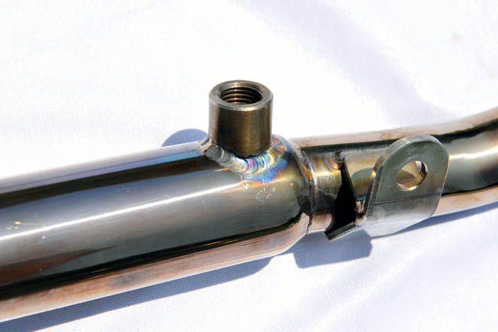 バイクのO2センサー穴付きマフラー