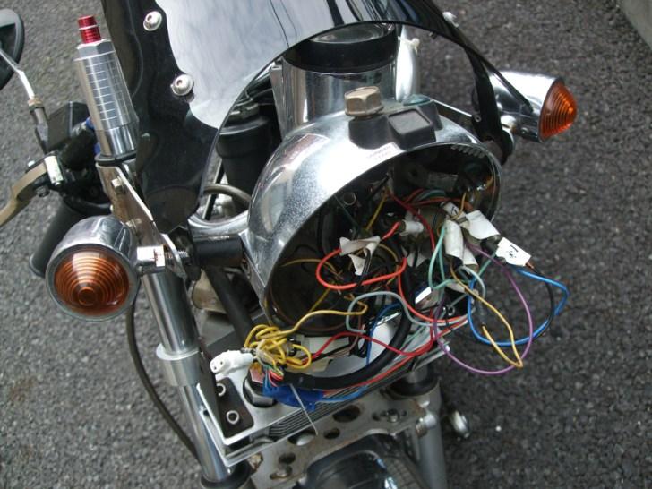 モンキー・ゴリラのヘッドライトステーを交換