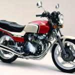 ホンダ CBX400F(1981年)|空冷DOHC 4気筒マルチ・クラス最高峰の48馬力エンジン