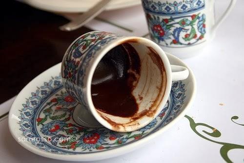 Гадания на кофейной гуще: толкование символов, способы. Как правильно проводить ритуал гадания на кофейной гуще: толкование значений