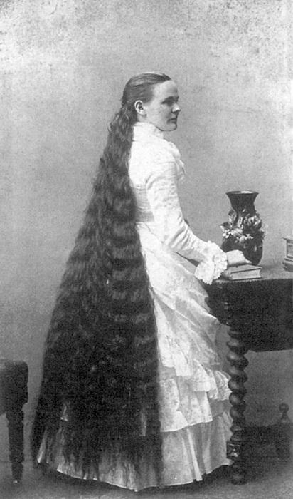 Собственные волосы Марты Харпер были лучшей рекламой ее парикмахерским