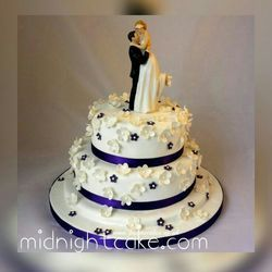 Wedding Cake in Ahmedabad  Gujarat   Manufacturers  Suppliers     3 Tier Ivory Wedding Cake