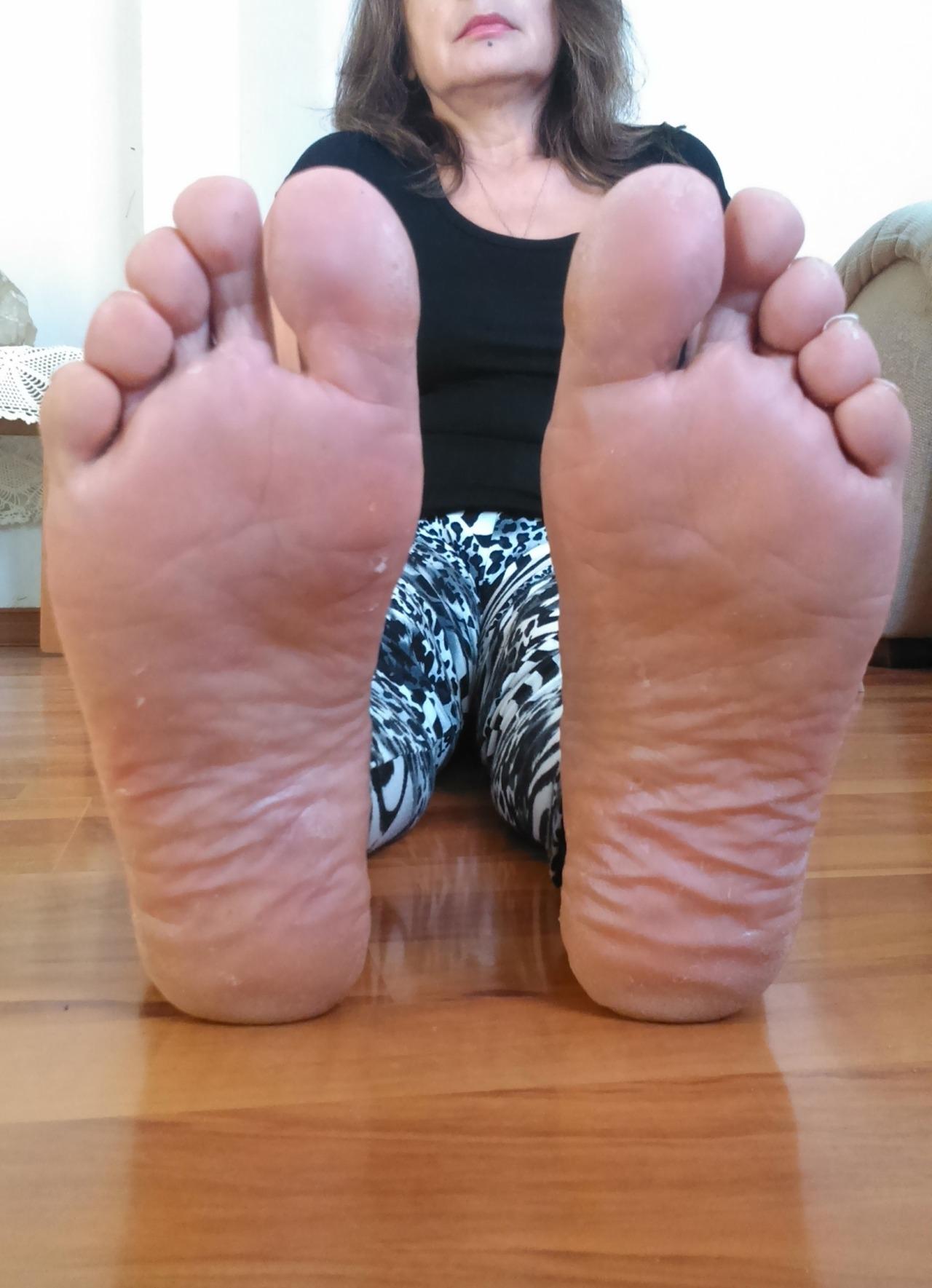 milf toes tumblr