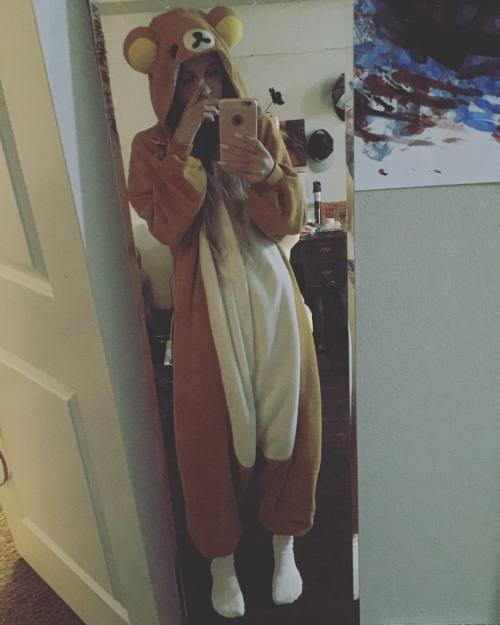 fractalacidfairy:  Every good night ends in a onesie