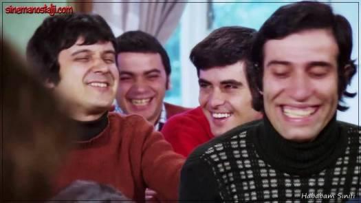 Hababam Sınıfı,1975,Rıfat Ilgaz,Kemal Sunal,Ertem Eğilmez,Adile Naşit,Halit Akçatepe,Tarık Akan,Münir Özkul,Hababam Sınıfı Serisi,84 Dak., Damat Ferit, İnek Şaban,Hafize Ana, Güdük Necmi,Kel Mahmut, Domdom Ali, Paşa Nuri