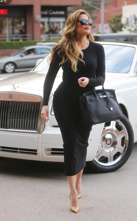 kxokardash: December 19th - Khloe out shopping in Los Angeles