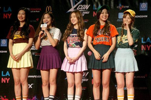 Mặc cùng loại trang phục, Hari vẫn khiến sao nữ Hàn 'khóc thét' vì điều này