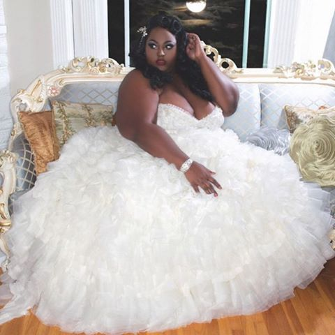 Where'd I put that darn glass slipper??? @babydollbeautycouture @gerrygarciaphoto #plussizepinup #blackpinup ———————————————-Click the link in bio to submit your photo to be featured on the blog www.bigbeautifulblackgirls.com/submit #bbbg #style #bigbeautifulblackgirls #instafashion #boldqueens #barbados